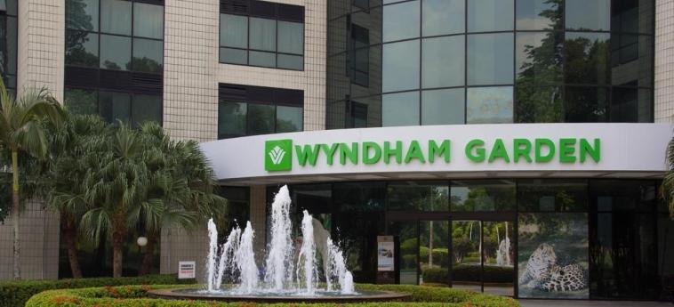Hotel Wyndham Garden Manaus: Entrada MANAUS