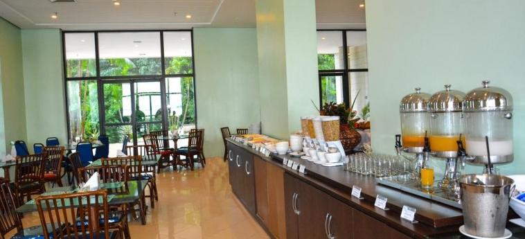Hotel Wyndham Garden Manaus: Sala de Desayuno MANAUS
