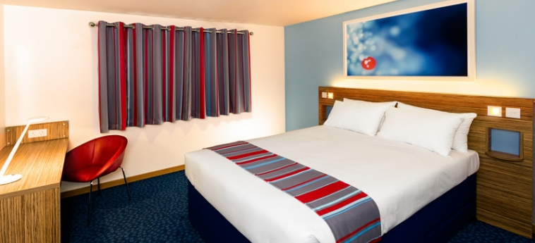 Travelodge Manchester Upper Brook Hotel: Exterior MANCHESTER