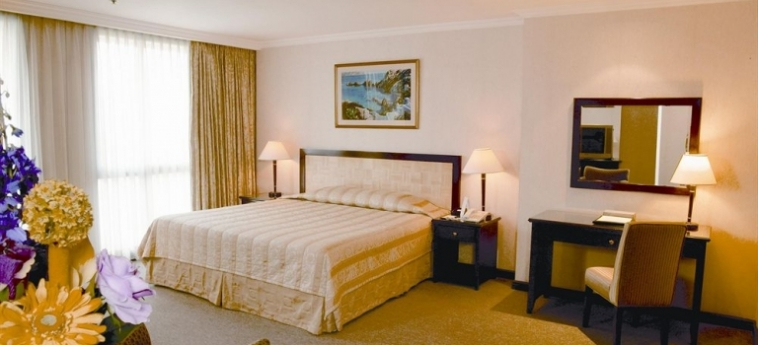 Hotel Herald Suites Solana: Campo da Tennis MANILA