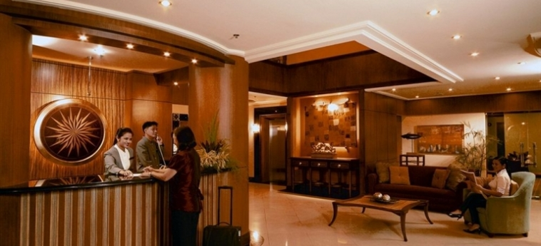 Hotel Herald Suites Solana: Empfang MANILA