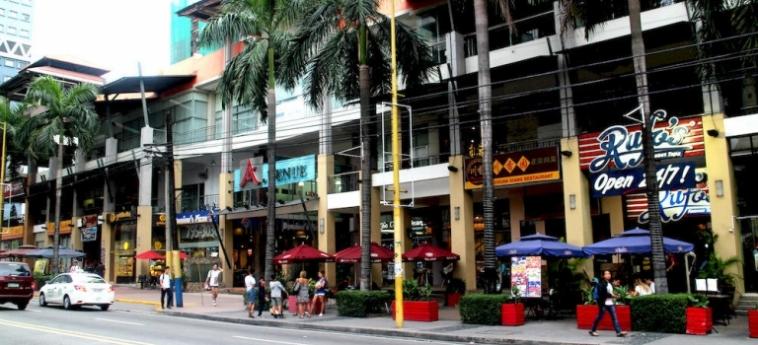 Urban Hostel Makati: Esterno MANILA