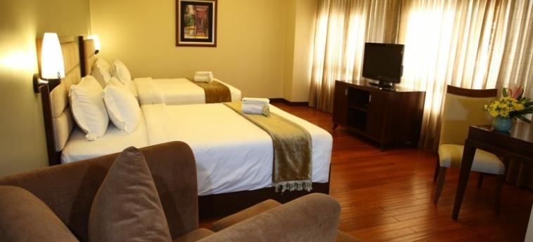 Armada Hotel: Wohnzimmer MANILA