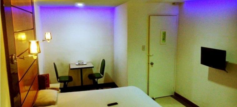 Halina Drive Inn Hotel - Pasay: Living Room MANILA