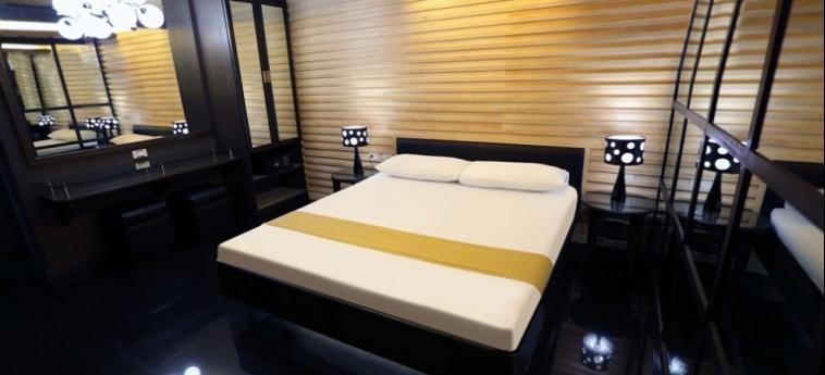 Hotel Victoria Court Cuneta: Dormitorio 4 Pax MANILA