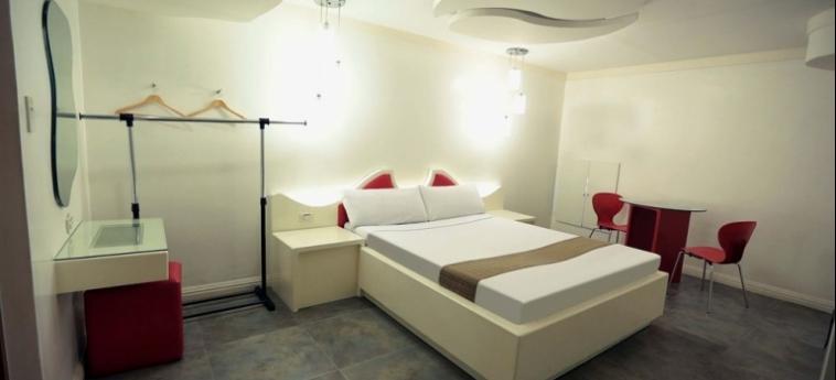 Hotel Victoria Court Cuneta: Zona Pranzo MANILA