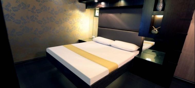 Hotel Victoria Court Cuneta: Dettagli Strutturali MANILA