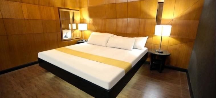 Hotel Victoria Court Cuneta: Hot Spring MANILA