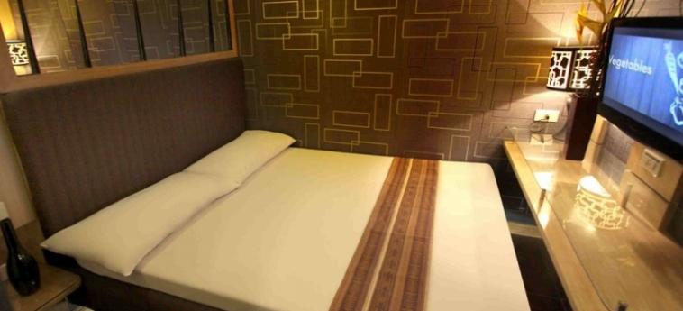 Hotel Victoria Court Gil Puyat: Carpa MANILA