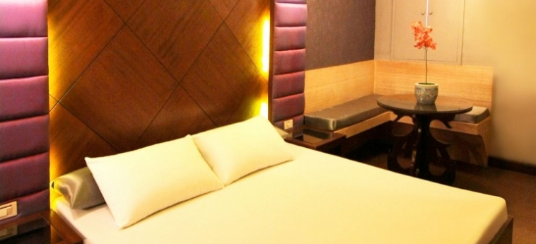 Hotel Victoria Court Gil Puyat: Villa detail MANILA