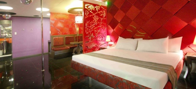 Hotel Victoria Court Gil Puyat: Zimmer Suite MANILA