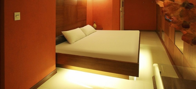 Hotel Victoria Court Gil Puyat: Room - Double Club MANILA