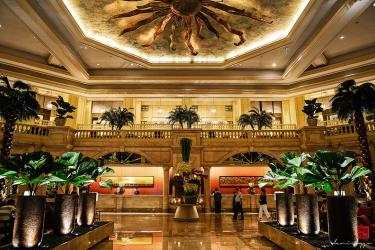Hotel The Peninsula Manila: Lobby MANILA