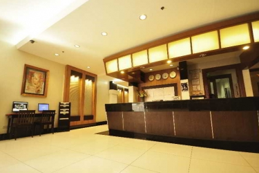Hotel Octagon Mansion: Lobby MANILA