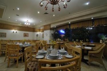 Hotel Tiara Oriental: Ristorante MANILA