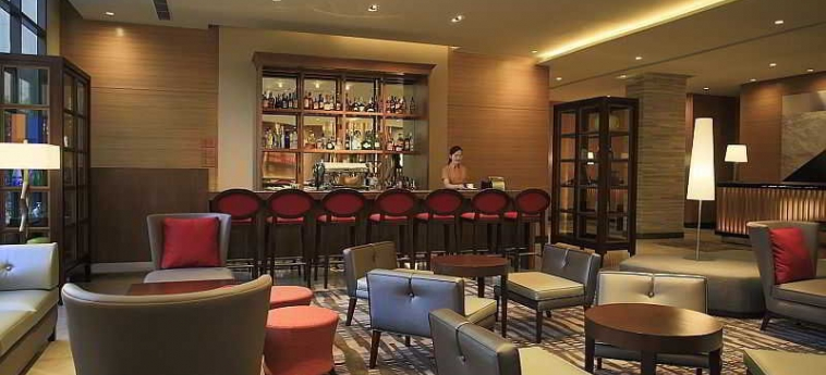 Hotel Holiday Inn & Suites Makati: Bar MANILLE