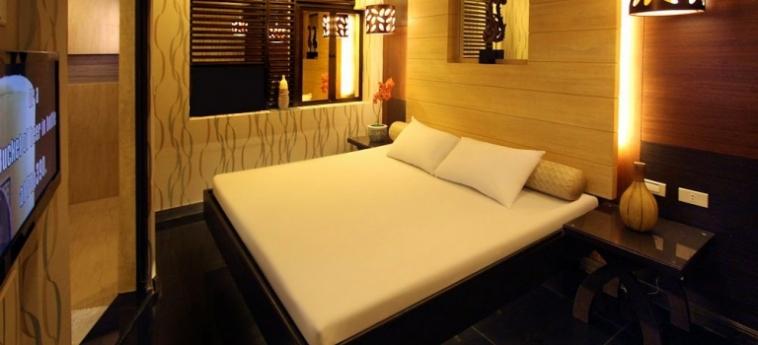Hotel Victoria Court Gil Puyat: Pub MANILLE
