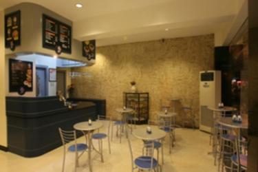 Malvar Hostel: Bar MANILLE