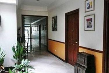 Malvar Hostel: Lobby MANILLE