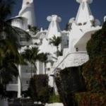 Hotel Las Hadas Golf Resort & Marina