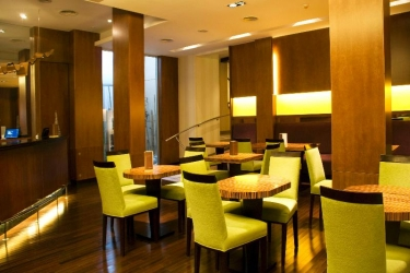 Hotel Iruna: Bar MAR DEL PLATA