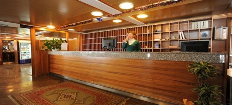 Hotel Residence Artuik: Reception MARILLEVA 1400 - TRENTO