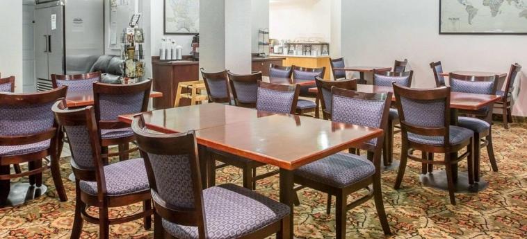 Hotel Quality Inn Yosemite Valley Gateway: Bar MARIPOSA (CA)