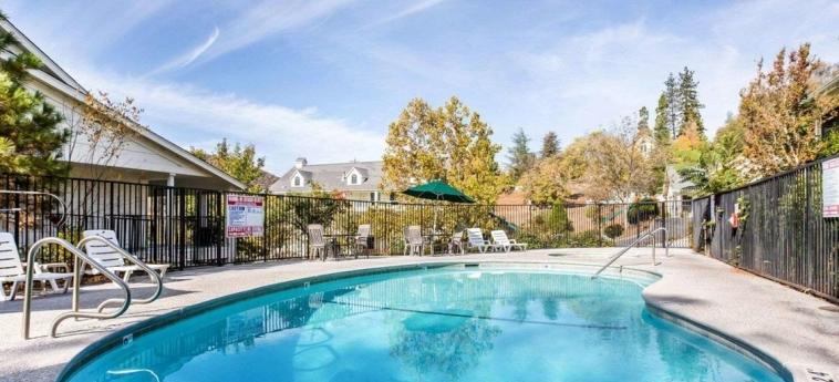 Hotel Quality Inn Yosemite Valley Gateway: Piscina MARIPOSA (CA)