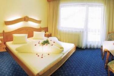 Hotel Rose: Réception MAYRHOFEN
