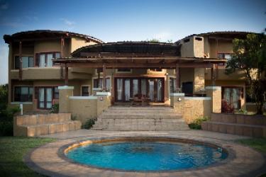 Hotel Nkonyeni Lodge & Golf Estate: Outdoor Swimmingpool MBABANE