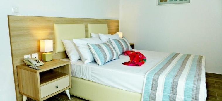 Hotel Les Amaryllis Saly: Schlafzimmer MBOUR