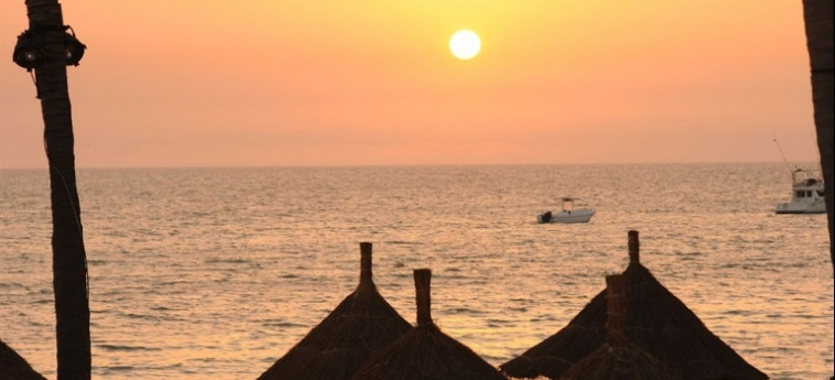 Hotel Palm Beach: Bosque de Pinos MBOUR