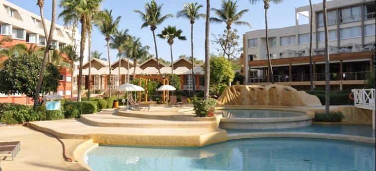 Hotel Palm Beach: Salle de Bains - Suite MBOUR