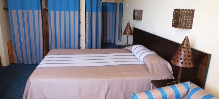Hotel Palm Beach: Hall MBOUR