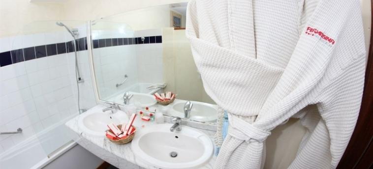 Hotel Palm Beach: Bathroom MBOUR