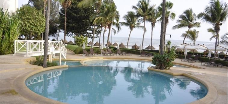 Hotel Palm Beach: Outdoor Swimmingpool MBOUR