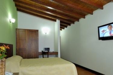 Hotel Portales Del Campestre: Doppelzimmer  MEDELLIN