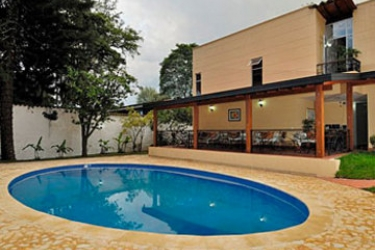 Hotel Portales Del Campestre: Swimming Pool MEDELLIN