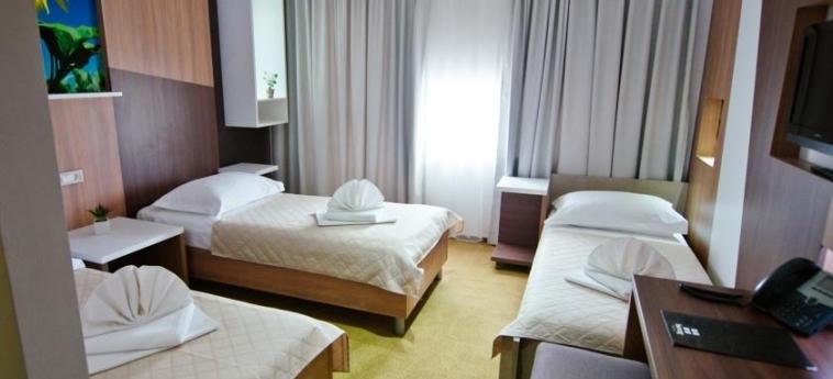 Hotel Herceg: Habitaciòn Triple MEDJUGORJE