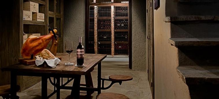 Hotel Alpasion Lodge: Wine Cellar MENDOZA