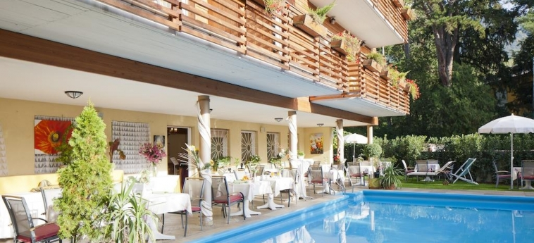 Hotel Aurora: Piscine chauffée MERANO - BOLZANO