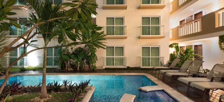 Hotel Wyndham Merida: Schwimmbad MERIDA