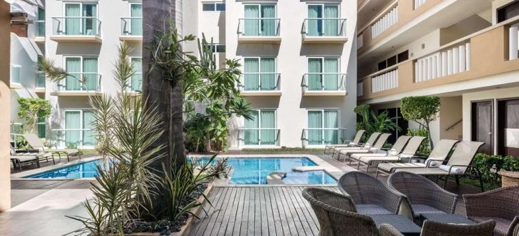 Hotel Wyndham Merida: Swimming Pool MERIDA