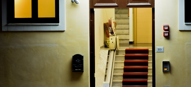 Hotel Residence Empedocle: Eingang MESSINA
