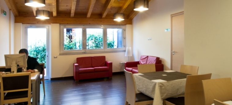 Hotel Residence Empedocle: Living Room MESSINA