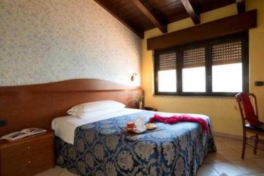 Hotel Venini: Bedroom MILAN