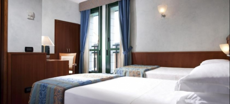 Hotel Raffaello: Twin Room MILAN