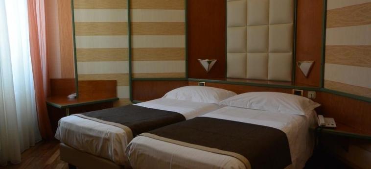 Hotel Metrò: Habitación de huéspedes MILÁN