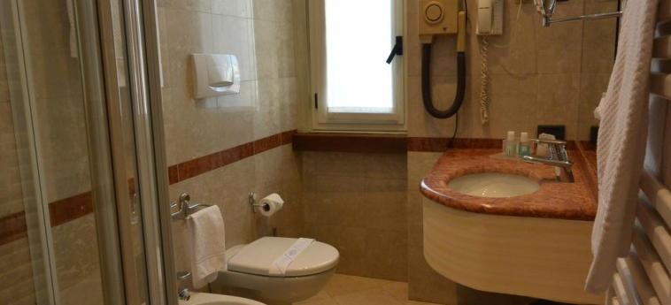 Hotel Metrò: Salle de Bains MILAN