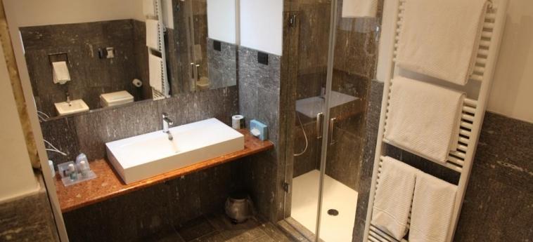Hotel Metrò: Bathroom MILAN